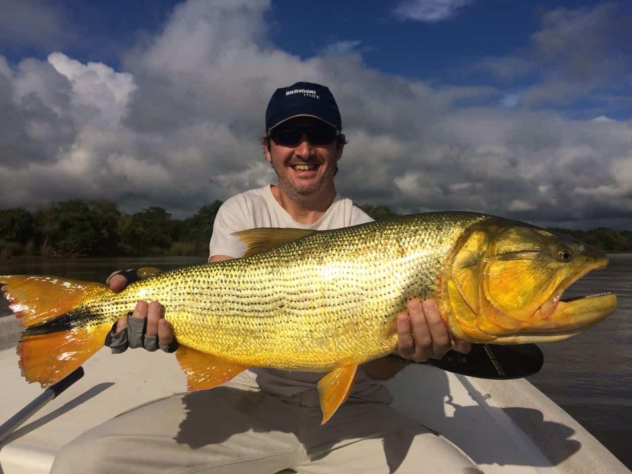 Pesca de dorado en Federacion y Lago de Salto Grande